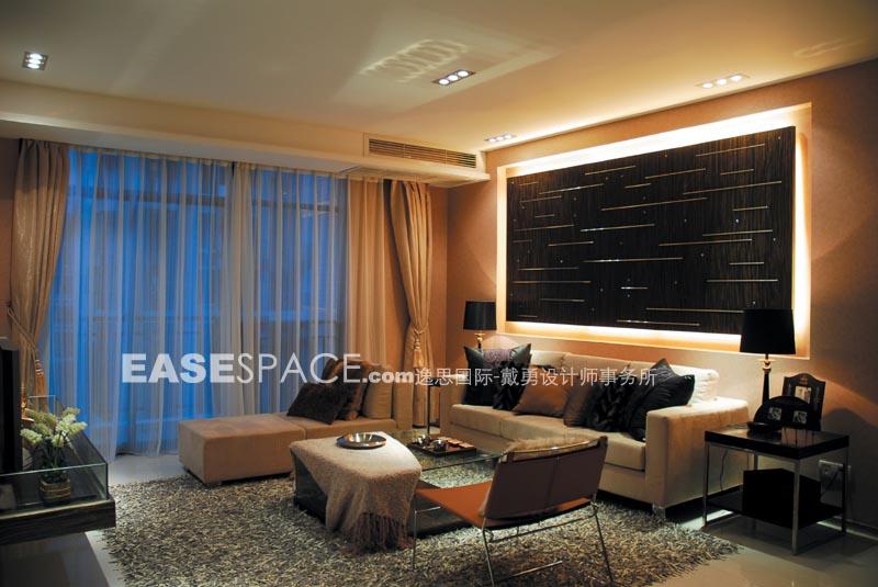 示范单位建筑面积为130平方米。设计的要点在于入户小前院与室内客厅、餐厅的视线的穿透和联系,材质间的黑白对比。我们运用清玻璃来达到空间共享和彼此借景的目的,打破常规的空间密封围合构成印象,形成彷如 屋中屋的趣味空间感觉。         上一页 [1] [2] [3] [4] [5] [6] [7] [8] [9]